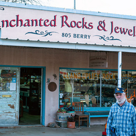 Enchanted Rocks and Jewelry in Llano