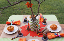 Set the kids' table with fun Thanksgiving crafts