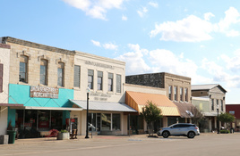 Downtown Burnet hosts Christmas in July