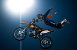 Moto X-Treme Circus flies into Llano