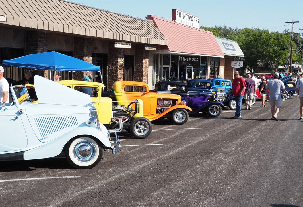 Classic cars, ZZ Top tribute at Main Street event
