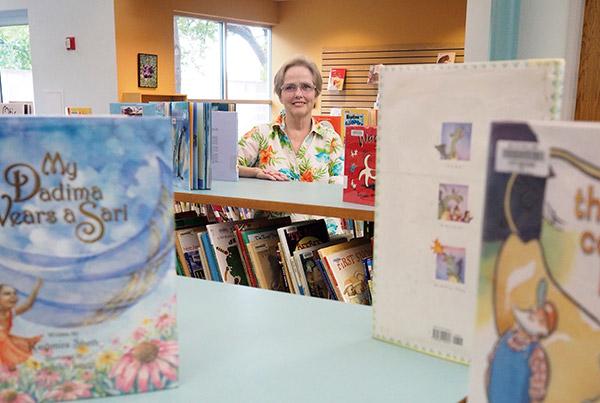Marble Falls Librarian Eileen Smith Retiring