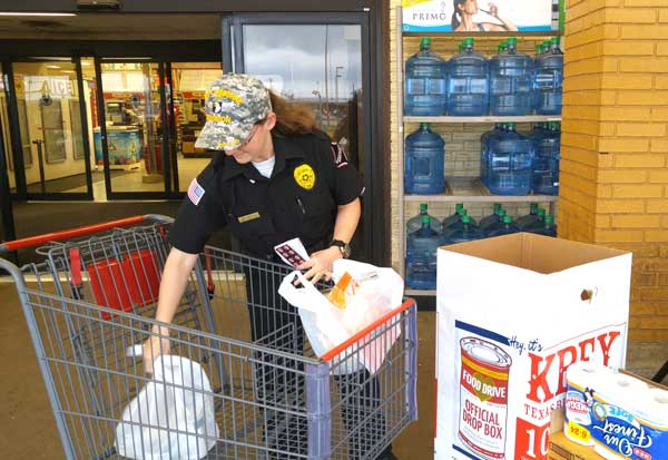 The Picayune/KBEY food drive