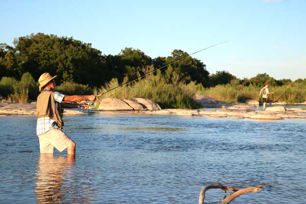 Fly fishing in Castell