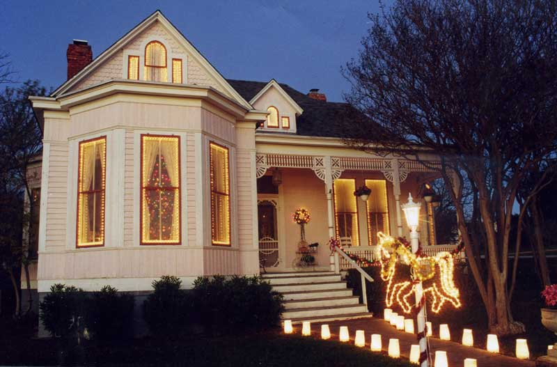 Christian-Matern home in Marble Falls - Victorian Christmas Open House Is Dec. 2