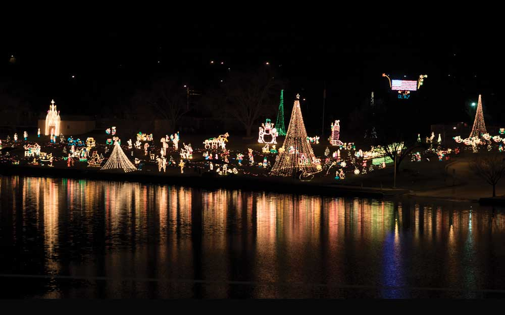 parade opens marble falls walkway of lights